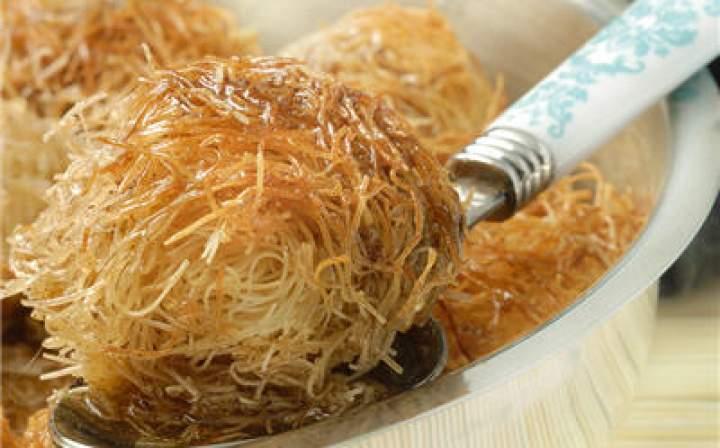 سلسلة طبختي الصغيرة ( حلوى القطايف الجزائرية) 9689-algerian-bread-